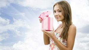 Что подарить девушке на День Рождения. 93 идеи подарков